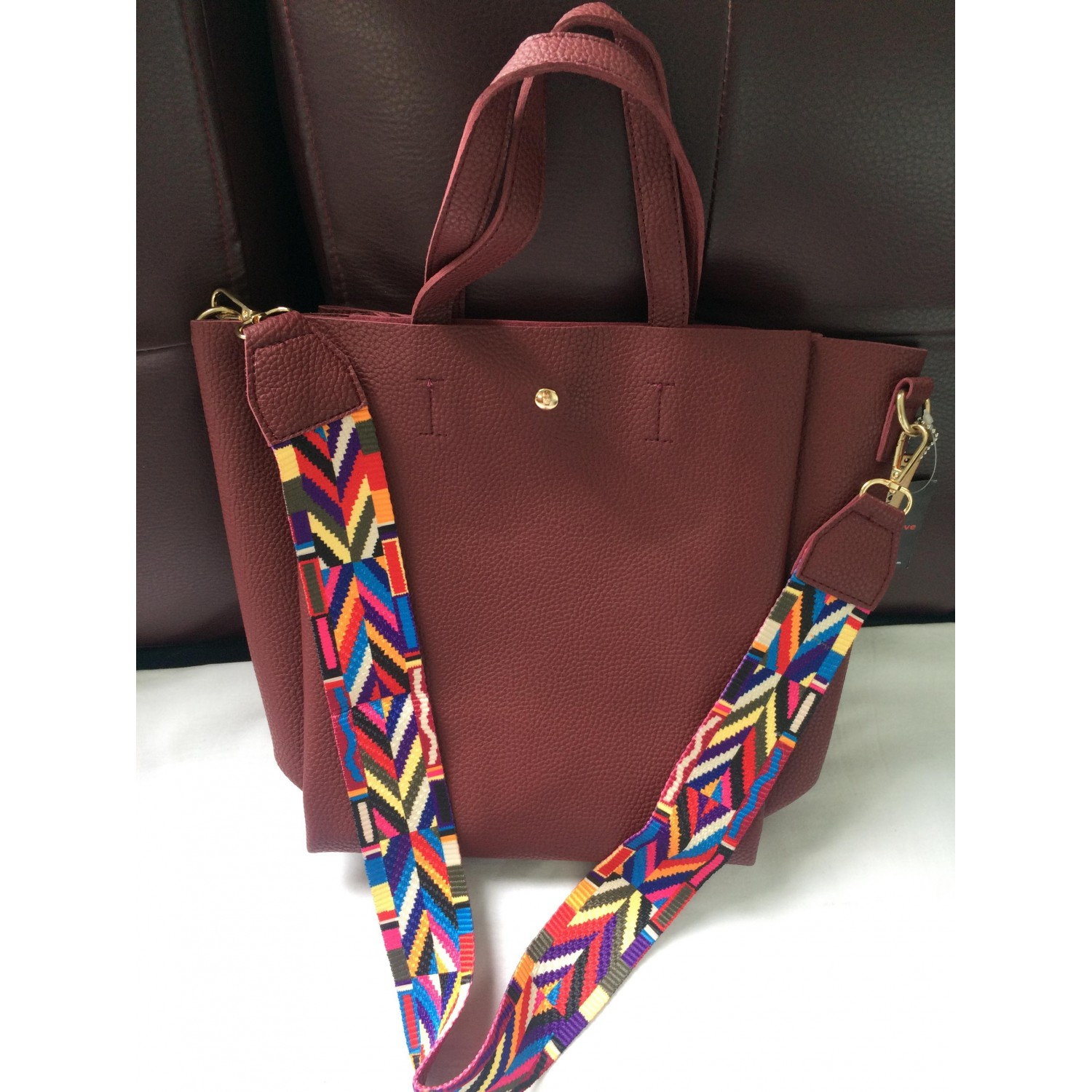"Z ""Bohemian feel"" bag with colorful tribal graphic strap"